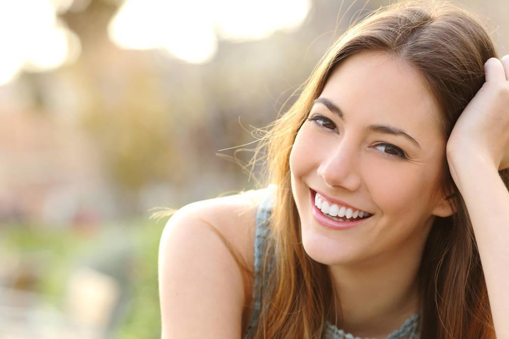 No hay nada más hermoso que tu sonrisa, iluminando este mundo monstruoso. Elogio de la sonrisa